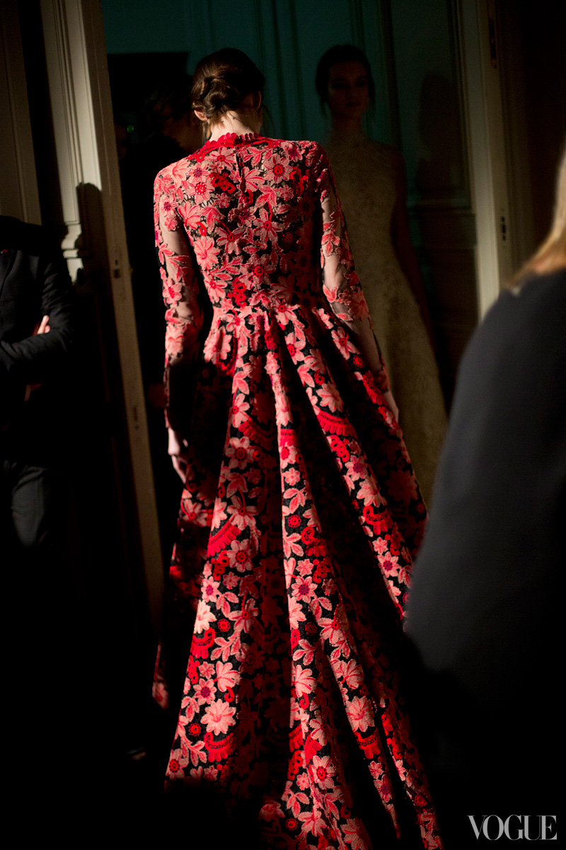 couture-spring-2013-round-up-valentino-05_114820789040